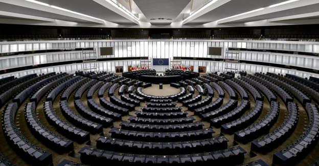 El Parlamento Europeo rechaza el uso de menores no acompañados por parte de Marruecos como método de presión a España