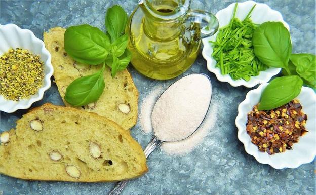 Hierbas aromáticas y productos sin gluten, en el punto de mira